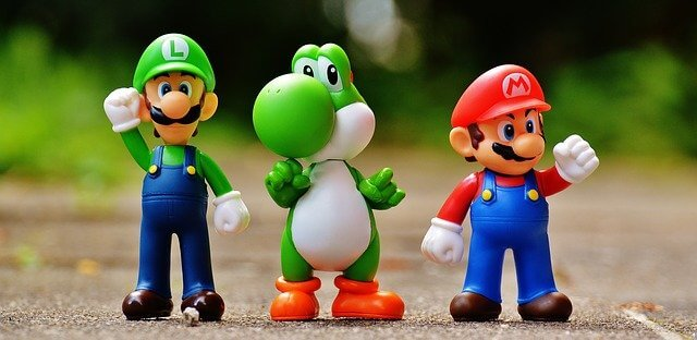 Image of action figures of Mario, Luigi and Yoshi